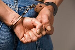Tânăr care a furat dintr-o casă și dintr-un magazin din Timișoara, prins de polițiști