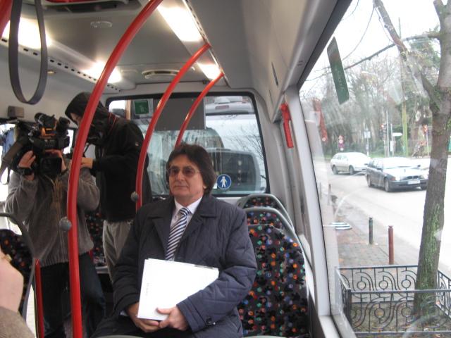 robu in minibuz