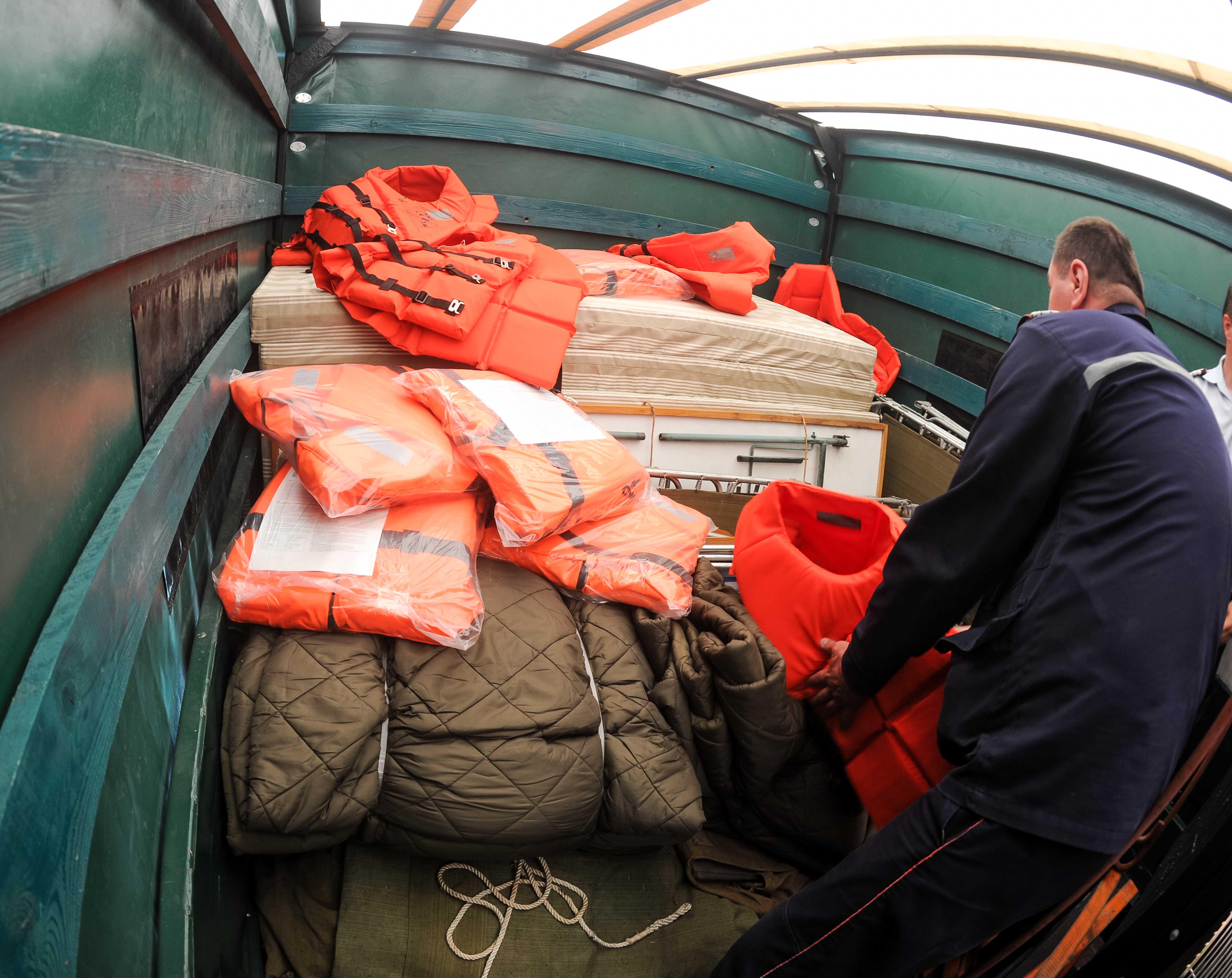 pregatirea echipamentului pentru misiune in Serbia 13