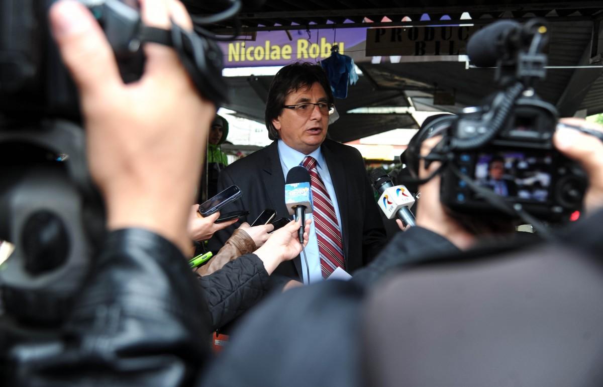 Nicolae Robu primarul Timisoarei in Piata Dacia08