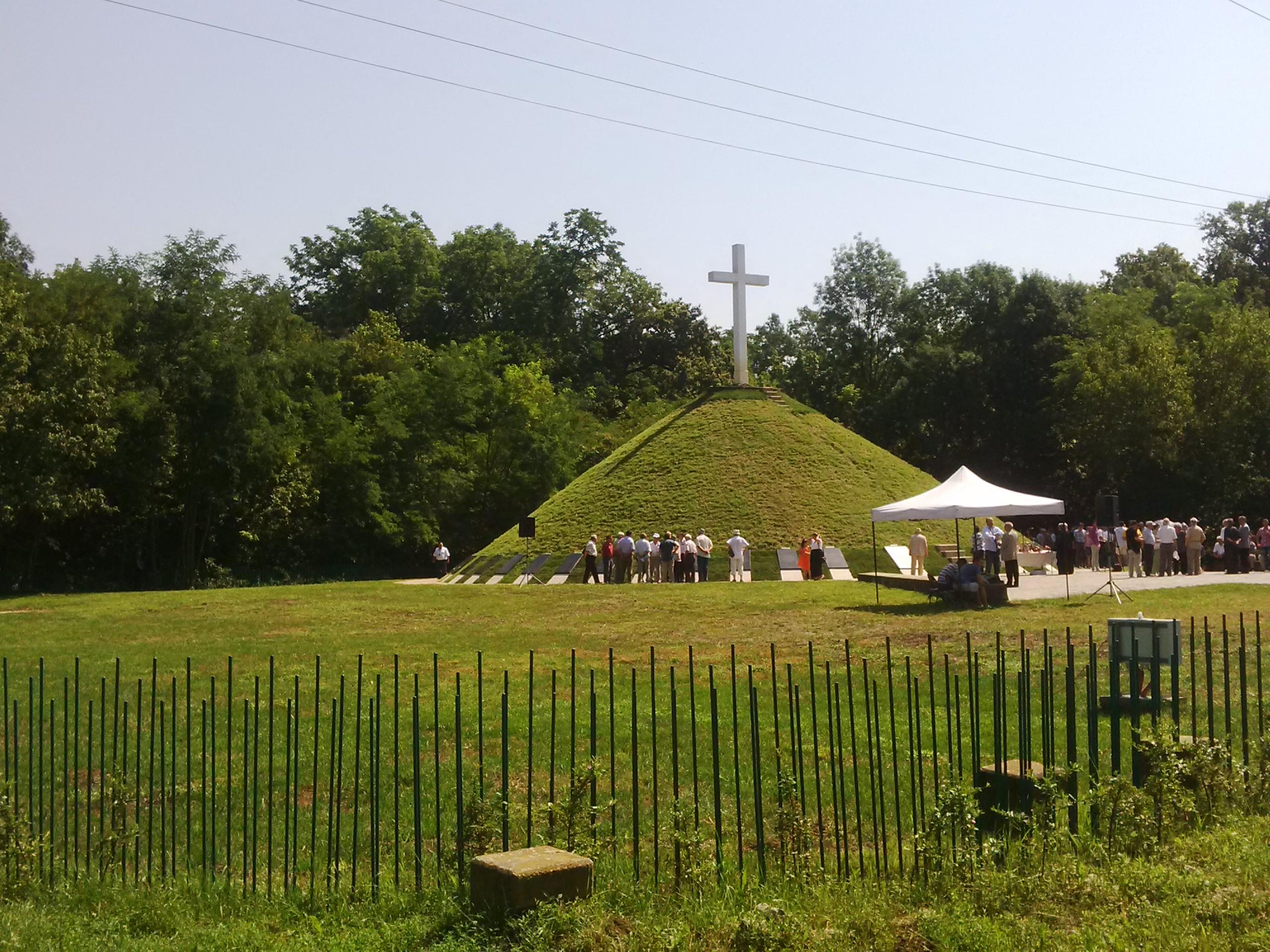 monument padurea verde1