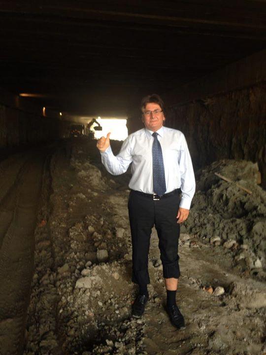 robu in tunel
