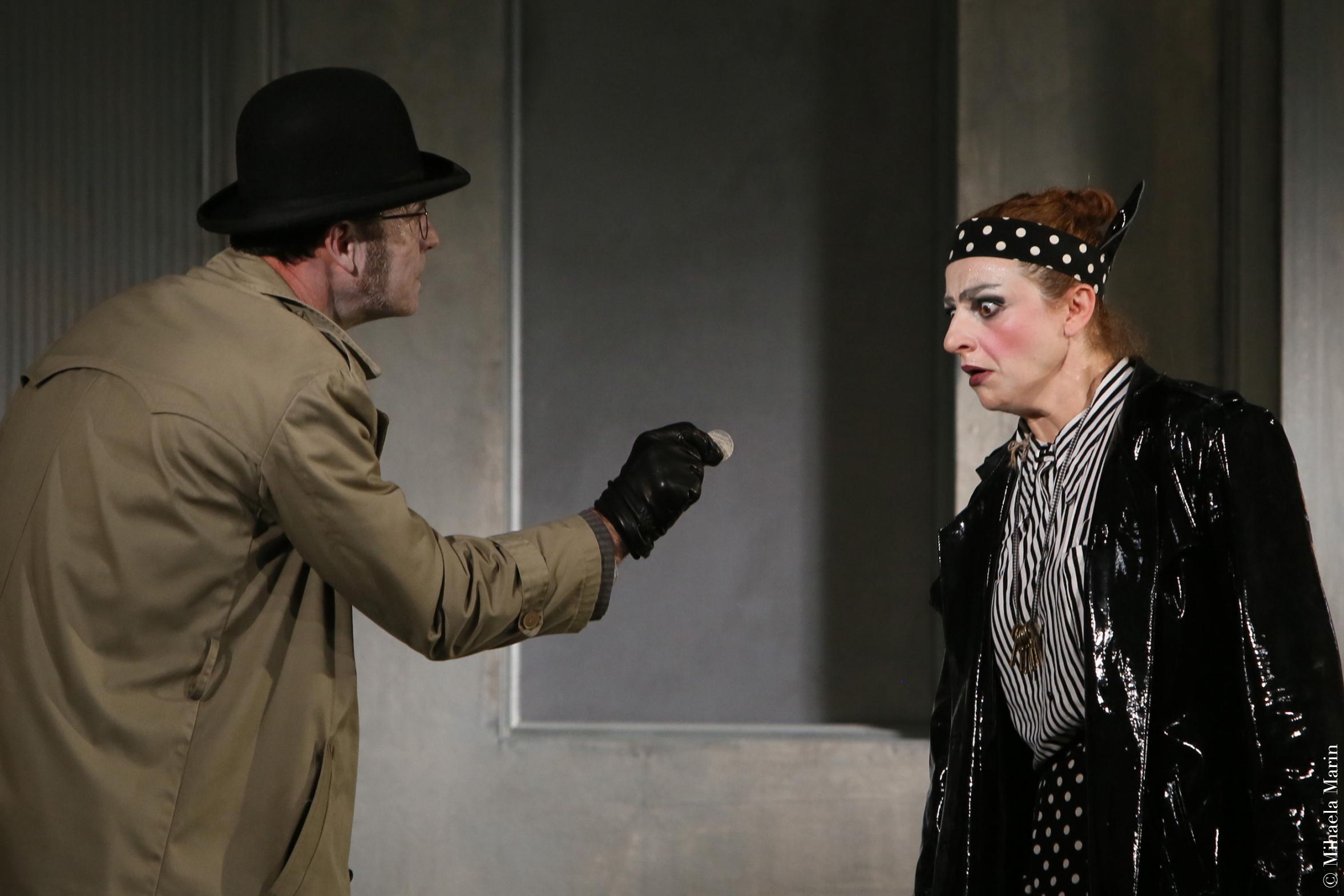 Francisco Alfonsin si Ada Navrot in spectacolul Noul locatar (copyright Mihaela Marin)