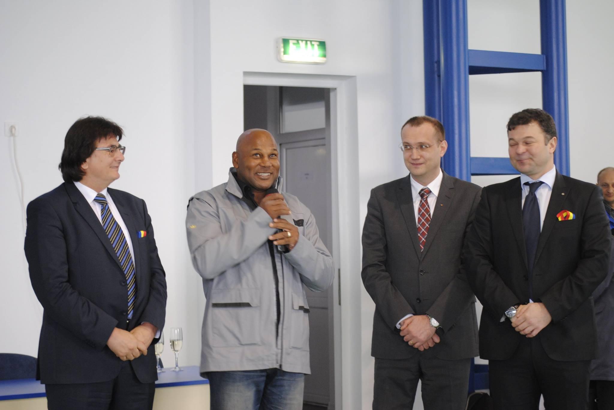 inaugurare sala de sport uvt18