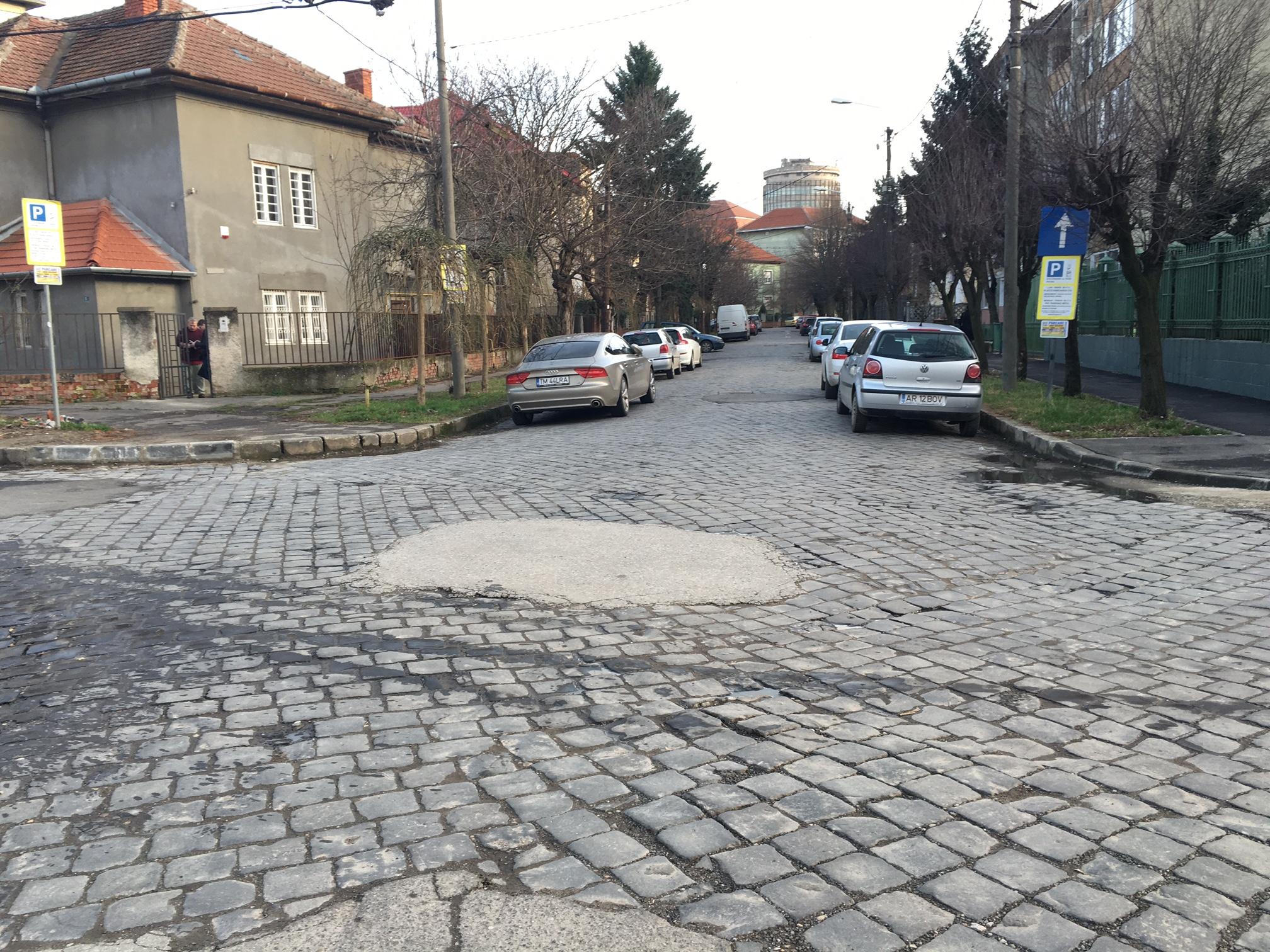 strada cu piatra cubica3