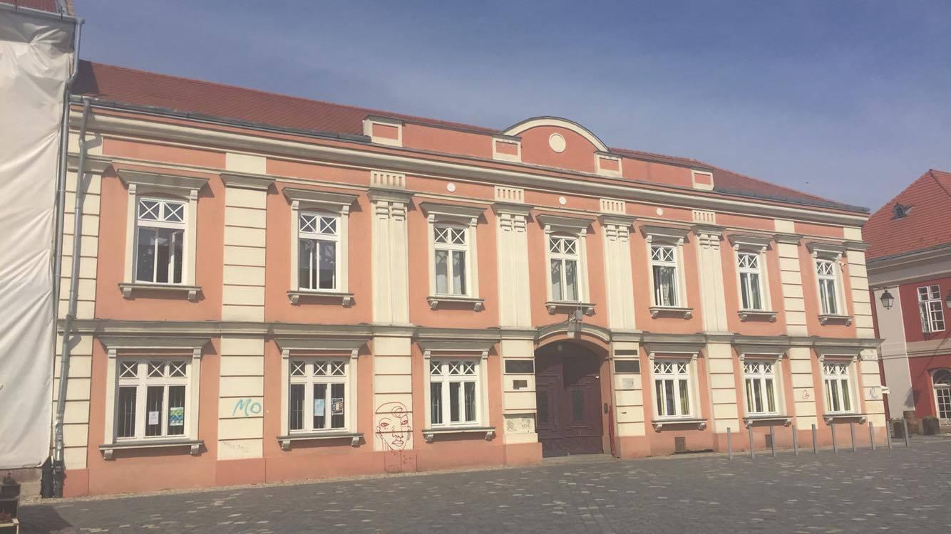 Sediul din Piața Unirii al Licelui Teoretic Nikolaus Lenau