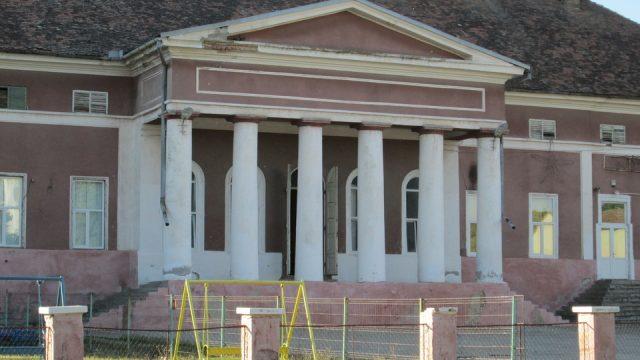 Consiliul Județean Timiș vrea să readucă la viață conacul Mocioni din Foeni