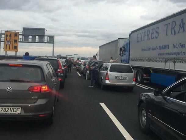 Coadă de mașini la vama cu Ungaria