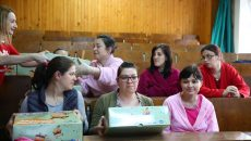 Salvați Copiii continuă campania Primul zâmbet