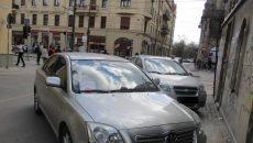Mașini parcate pe pietonală, la Timișoara