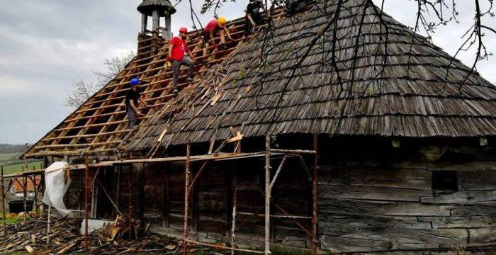 Biserica de lemn din Dragomirești