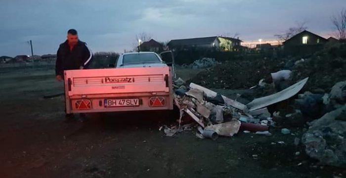 Un bărbat și-a abandonat resturile de construcție pe spațiul public, în Dumbrăvița