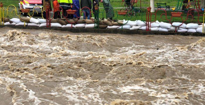 În Timiş este aşteptată apariţia de viituri pe principalele râuri