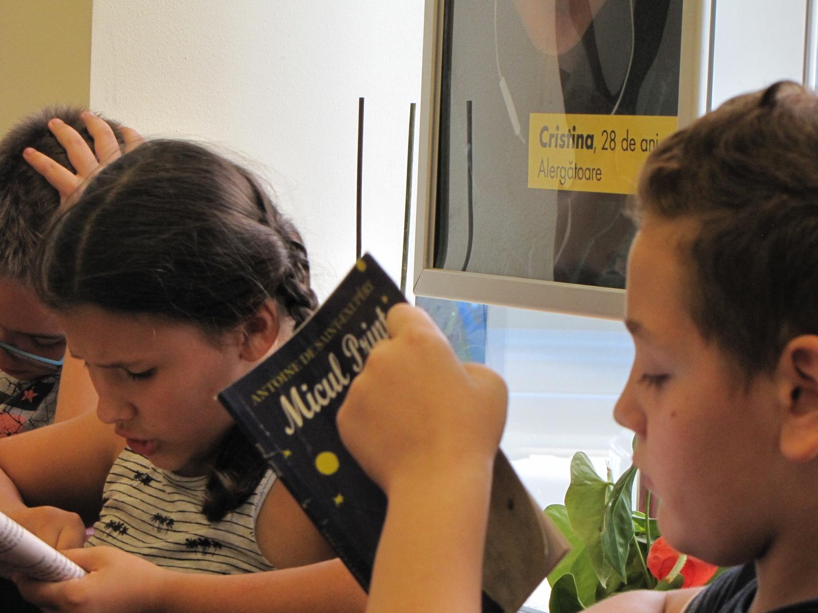 Voluntari din companii din Timișoara citesc împreună cu copiii
