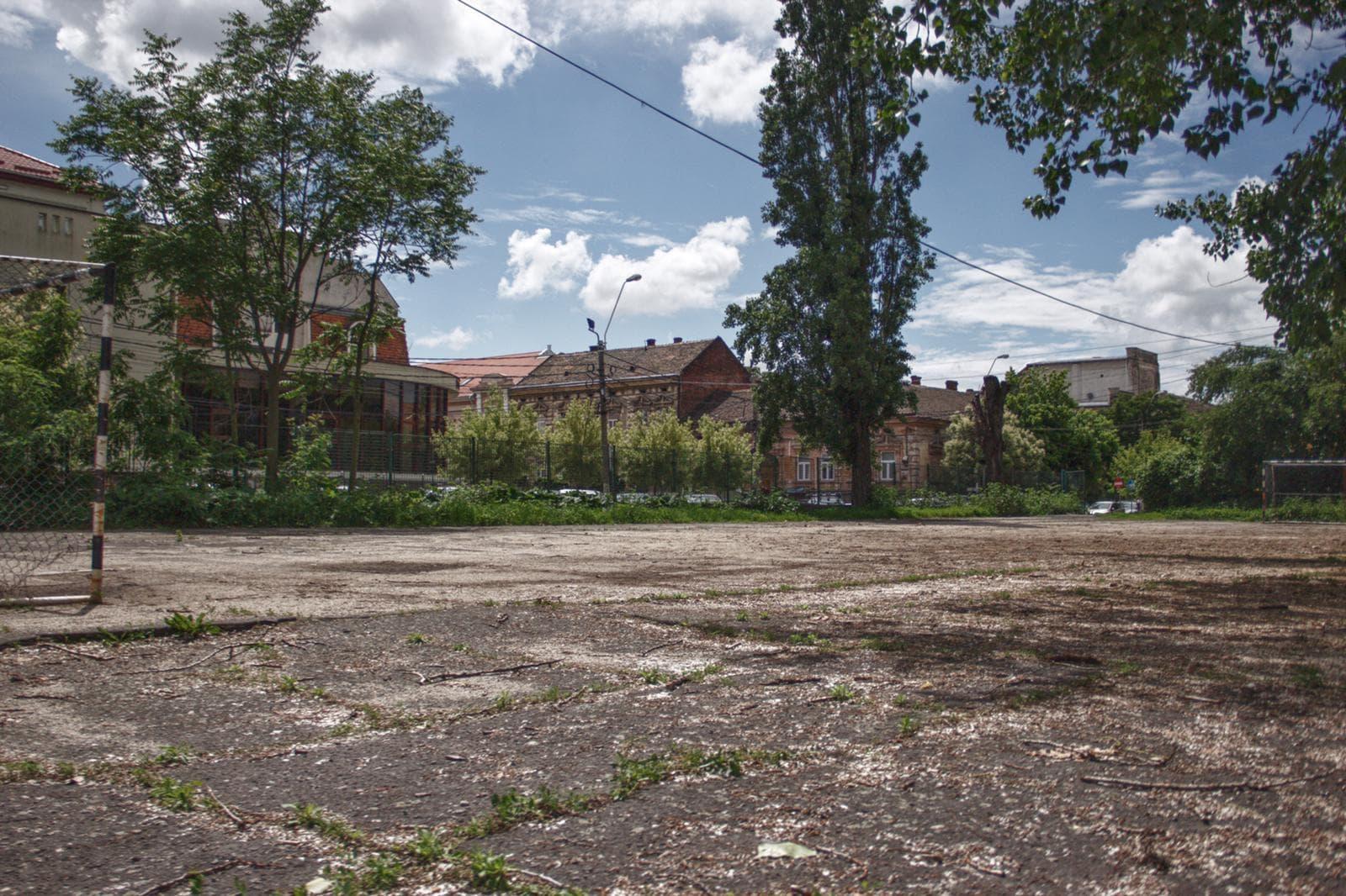 Terenul de la Liceul Baptist din Timișoara