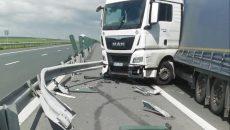 Șoferul unui tir a adormit la volan