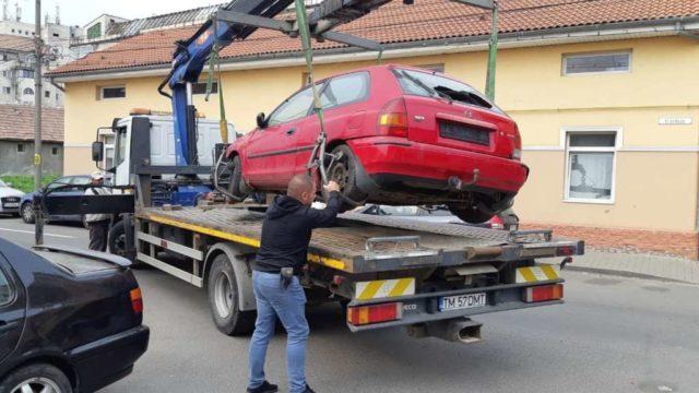Sute de locuri de parcare din Timișoara au fost eliberate de polițiștii locali
