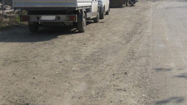 Șofer, amendat pentru că a murdărit drumul