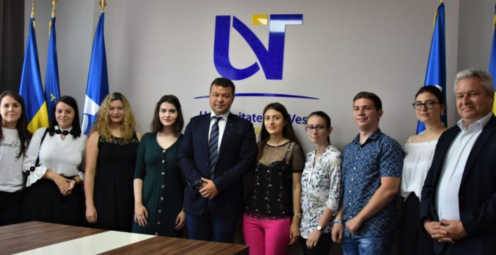 Elevii cu media 10 la BAC, primiți cu stimulente și avantaje la Universitatea de Vest Timișoara