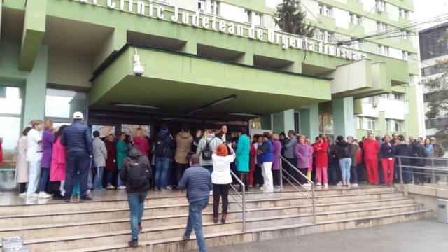 protest la Spitalul Judetean