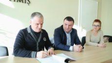 semnare contract pentru constructia cladirilor