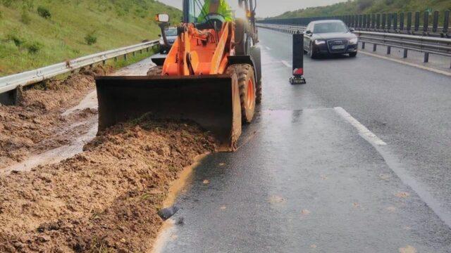 alunecare pamant autostrada