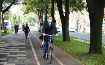 Dominic Fritz pe bicicleta