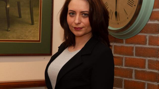 Dr. Andreea Hategan