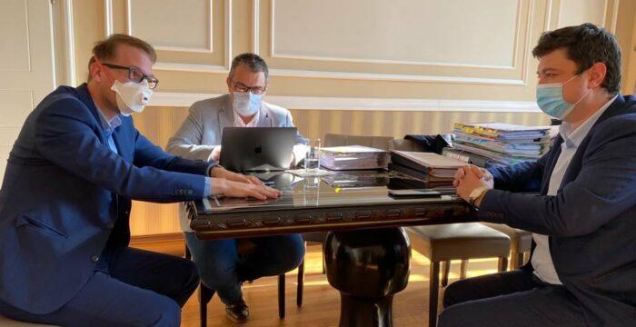 Dominic Fritz, Bogdan Nanu si Emil Serpe